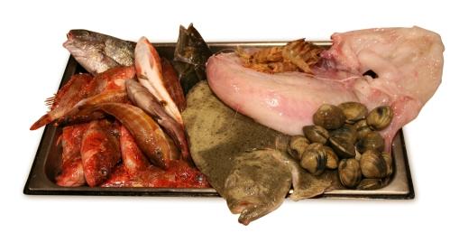Pescado fresco: rape, verderón, viejecilos, cabrachillos, langostinos y almejas