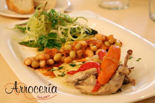 Ensalada de codorniz escabechada, pochas con fritada al estilo tradicional, escarola y guindilla